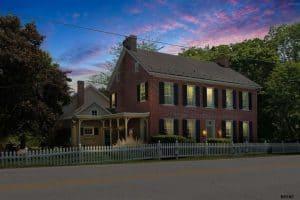 historic home decorating