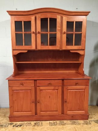 pine country hutch