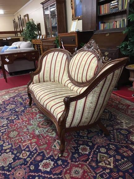 Victorian Cameo Back Sofa ⋆ Bohemian S