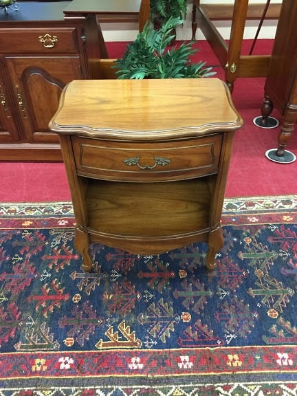 French Provincial Nightstand ⋆ Bohemian S