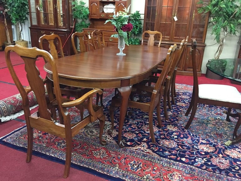 Pennsylvania House Queen Anne Dining Table ‹� Bohemian S