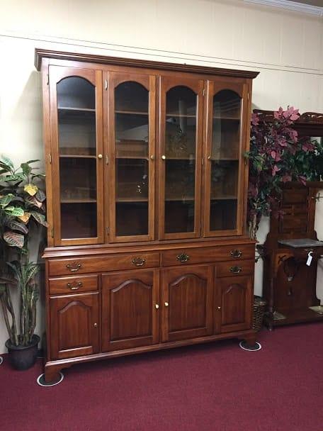 Henkel Harris Cherry Cabinet ⋆ Bohemian S