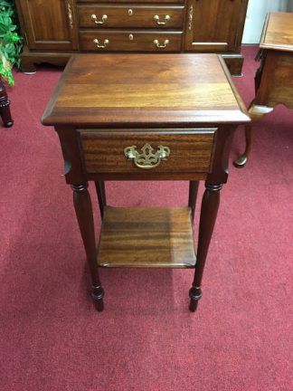Kling Mahogany One Drawer Nightstand