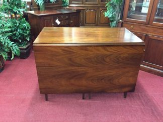 Henkel Harris Cherry Drop Leaf Table