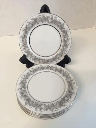 Florentine by Sango Cake Plates