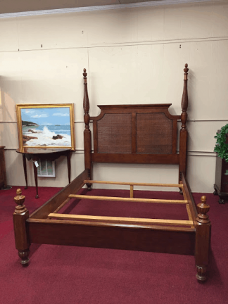 Island Style Queen Size Bed