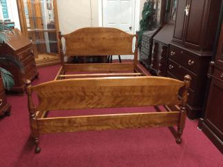 Vintage Ethan Allen Full Size Bed