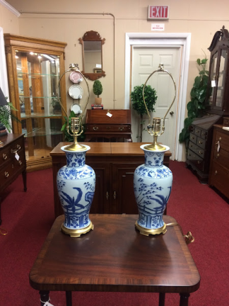 Vintage Blue and White Ceramic Lamp