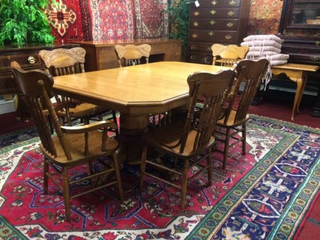 Keystone Collection Dining Room Set