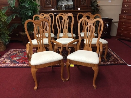 Pennsylvania House Set of Eight Oak Chairs