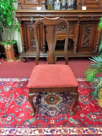 Cherry Queen Anne Single Chair