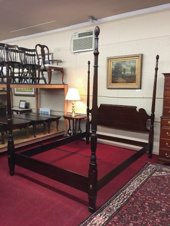 Statton Queen Size Poster Bed