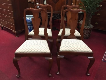 Henkel Harris Queen Anne Dining Chairs