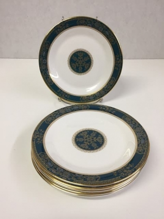 """Royal Doulton """"Carlyle"""" Cake or Bread Plate Set"""