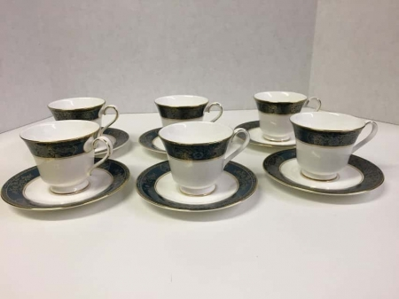 """Royal Doulton """"Carlyle"""" Cups and Saucer Set"""