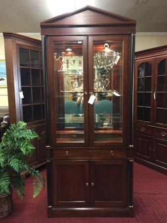 Pennsylvania House Regency Style Curio Cabinet